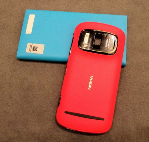 The vibrant red Nokia 808 against a contrasting cyan Lumia 900