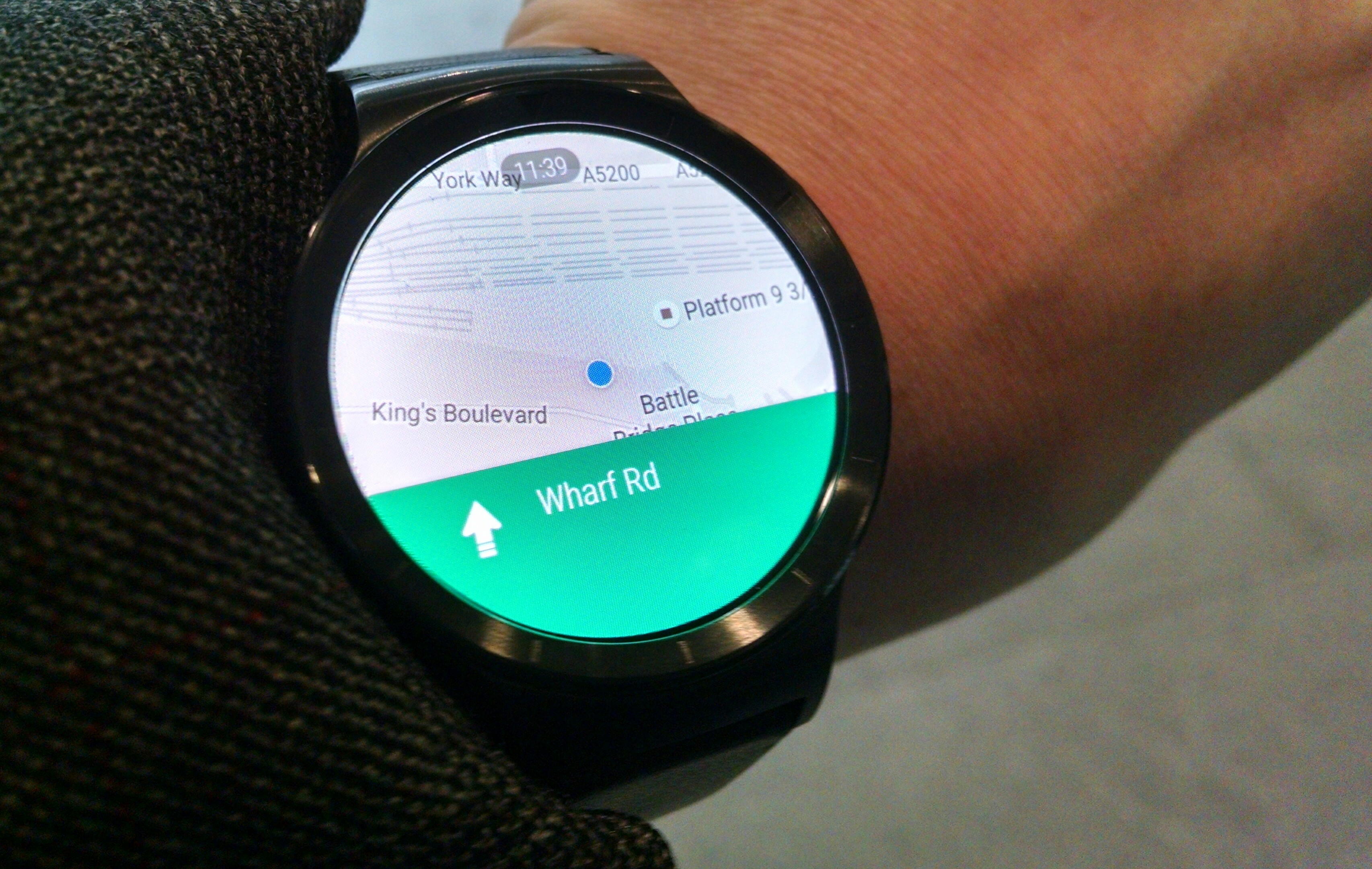 Huawei Watch review: showing maps