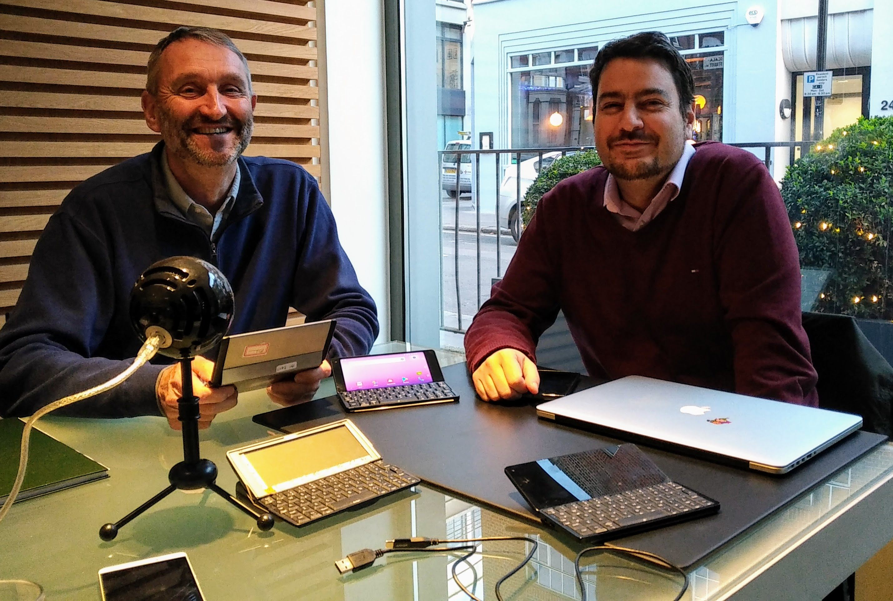 Martin Riddiford (left) and Davide Guidi (right) showing pre-production models of the Gemini, alongside the Psion Series 5MX, at Therefore's design studio in London