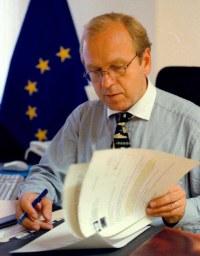 Erkki Liikanen, European Commission (2002)