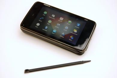 Nokia N900 with stylus
