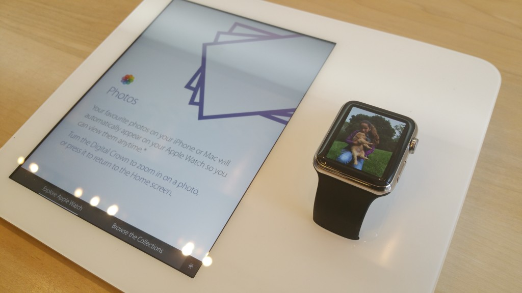 Apple Watch retail demo unit with synchronised  companion display